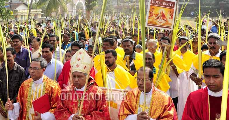Believers taking out procession on Palm Sunday in Kannur. Manorama/Vidhuraj MT